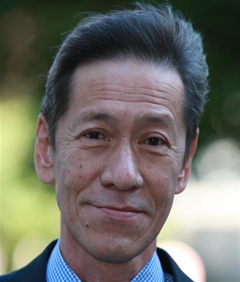 斋藤洋介吃饭途中身体不适送医,抢救无效骤逝。