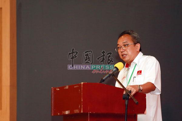 钟伟兴在会上致词,道出该党未来的政治动向。