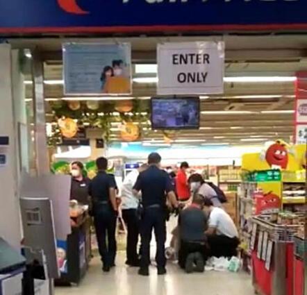 警方接获消息后赶到现场。(受访者提供)