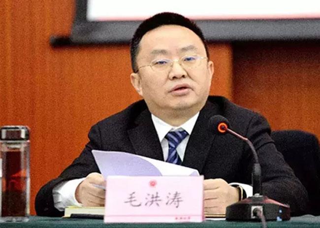 成都大学党委书记毛洪涛。