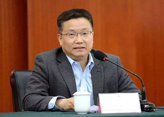 成都大学校长王清远。