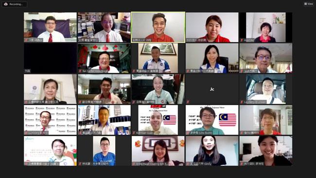 马来西亚年度汉字10大候选汉字投选活动首次以线上方式进行,上排左起为胡逸山及吴恒灿。
