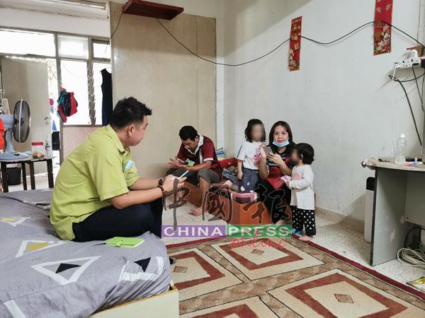 黄颖恩父母疑颖恩在校受到责罚,所以不敢到学校上课,而离家出走。