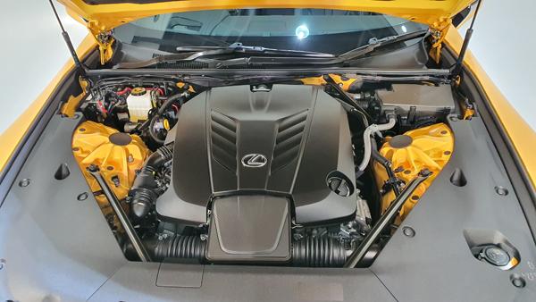 强大的V8引擎。