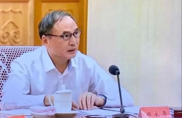郑永年离开新加坡后到中国任职,在学术界非常活跃。