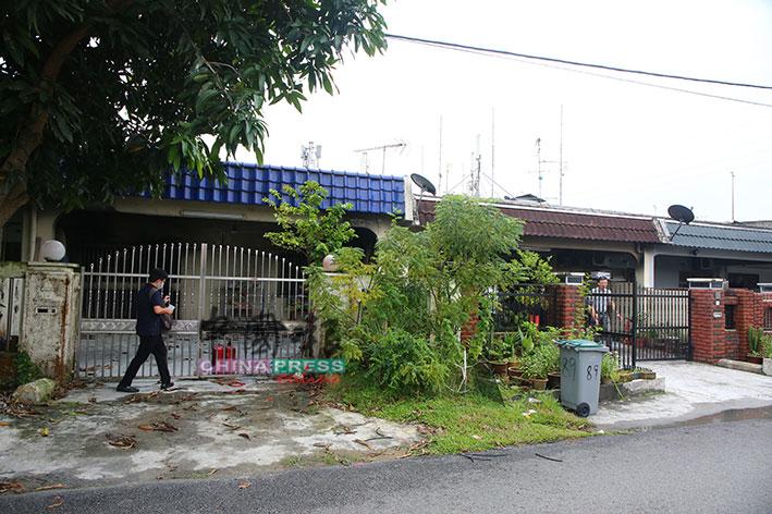 陈凤贤和陈凤黛隔壁房屋已无人居住。