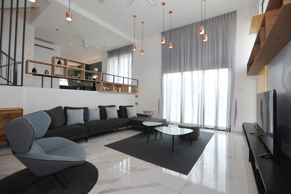 半独立式洋房的各款式都拥有精心设计,挑高的天花板设计,制造明亮宽敞的视觉效果,处于通风及没压迫感。(A款和A1款)
