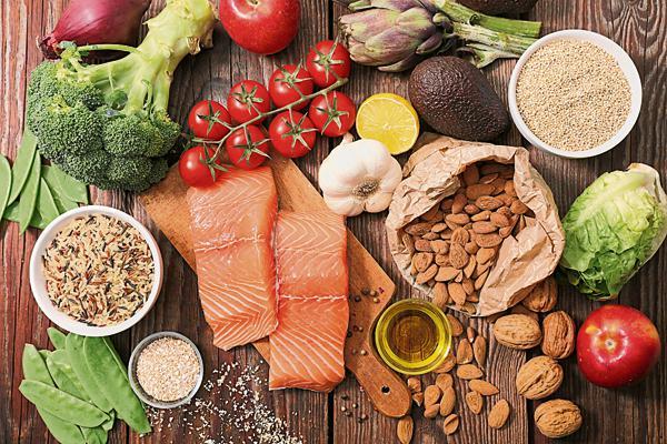 健康饮食对保障免疫系统运作、降低疾病及慢性病风险都非常重要。