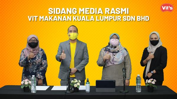 唯一食品(吉隆坡)有限公司日前通过记者会交代有关清真状态事项。左起为清真专员祖米哈蒂、黄雅达、VIT'S质量控制专员西蒂诺鲁拉英及市场专员百祖拉。