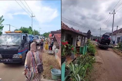 收到一大笔钱的村民,纷纷购买起新汽车,导致车商运来的汽车塞爆村中小路。