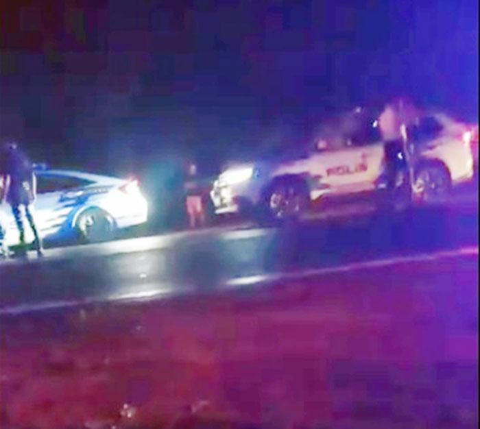 居銮警队巡逻车及笨珍警队巡逻车,联合追捕罗厘司机。