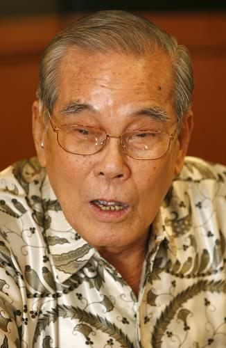 槟城著名华社闻人与慈善家祝清坤先生日前与世长辞。