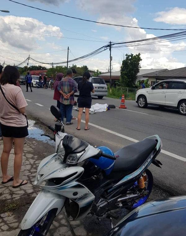 小贩飞来横祸,遭后退的罗厘撞毙,家人希望目击者现身还原真相。