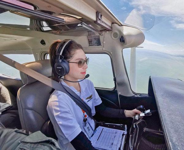 网友纷纷表示想跟Meimei Thanyawee一起飞。