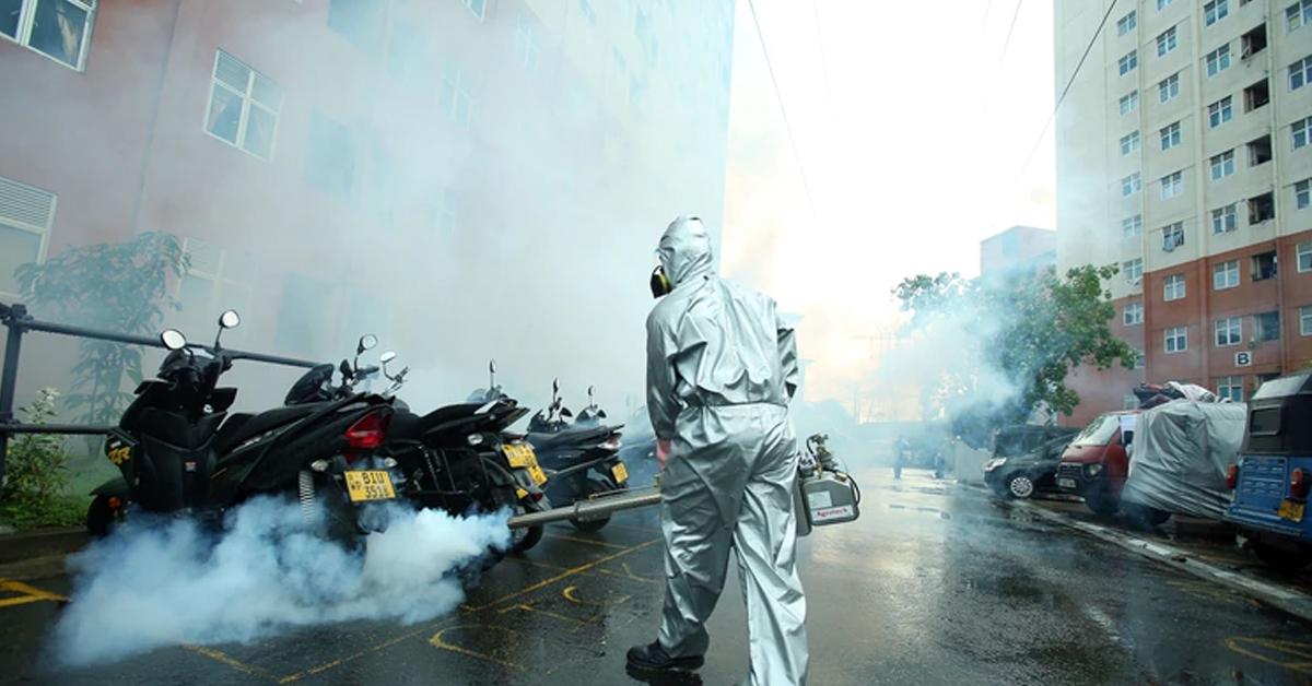 斯里兰卡可伦坡市6日为预防骨痛热症进行消毒。