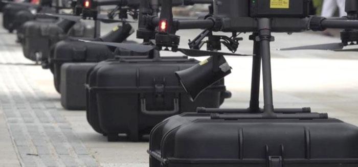 广州出动60台无人机协助人民防疫。