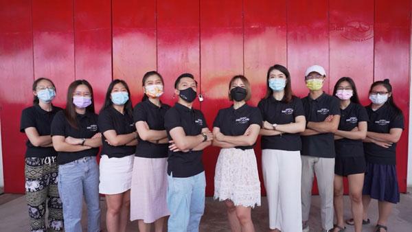 吉品肉吧团队平均年龄24岁,非常有活力和创造力!