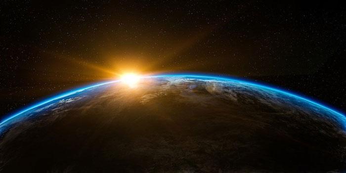 由哈佛大学知名天文学家罗布领导的国际科学家团队,将寻找外星文明建造科技的证据。(示意图)