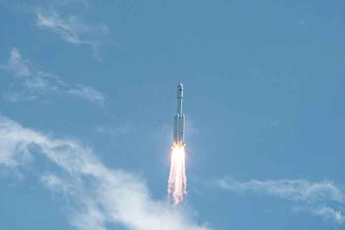 周一下午,天舟三号货运飞船发射任务取得圆满成功。(新华社)