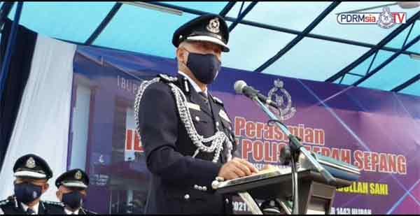 阿克力沙尼致词时,表扬雪邦警区在这三年内打击罪案有功!